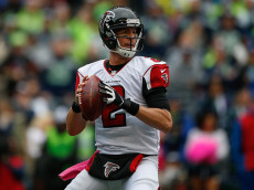 SEATTLE, WA - OCTOBER 16:  Quarterback Matt Ryan #2 of the Atlanta Falcons looks downfield to pass against the Seattle Seahawks at CenturyLink Field on October 16, 2016 in Seattle, Washington.  (Photo by Otto Greule Jr/Getty Images)