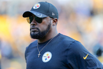 PITTSBURGH, PA - OCTOBER 23:  Head Coach Mike Tomlin of the Pittsburgh Steelers looks on during warmups before the game against the New England Patriots at Heinz Field on October 23, 2016 in Pittsburgh, Pennsylvania. (Photo by Justin K. Aller/Getty Images)