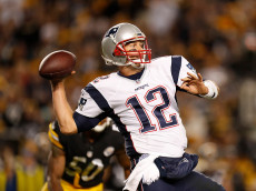PITTSBURGH, PA - OCTOBER 23:  Tom Brady #12 of the New England Patriots drops back to pass in the second half during the game against the Pittsburgh Steelers at Heinz Field on October 23, 2016 in Pittsburgh, Pennsylvania. (Photo by Justin K. Aller/Getty Images)