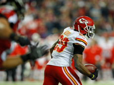ATLANTA, GA - DECEMBER 04:  Eric Berry #29 of the Kansas City Chiefs returns an interception on a failed two-point converstion for two points against the Atlanta Falcons at Georgia Dome on December 4, 2016 in Atlanta, Georgia.  (Photo by Kevin C. Cox/Getty Images)