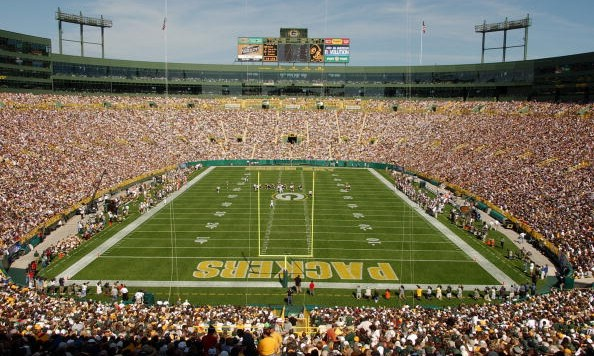 GREEN BAY, WI - SEPTEMBER 19:  A general view of Lambeau Field during the game between the Green Bay Packers and the Chicago Bears on September 19, 2004 in Green Bay, Wisconsin. The Bears defeated the Packers 21-10. (Photo by Jonathan Daniel/Getty Images)