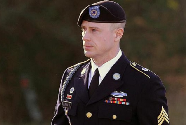 Sgt. Bowe Bergdahl arrives Tuesday for a pre-trial hearing at Fort Bragg's military court, 13 January 2016. (AP Photo)