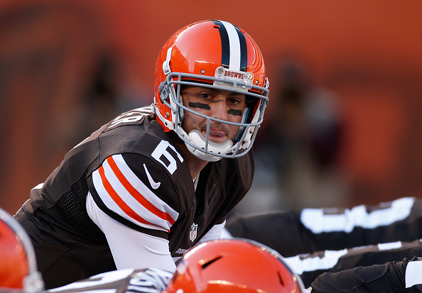 CLEVELAND, OH - OCTOBER 12:  Brian Hoyer #6 of the Cleveland Browns prepares to take a snap during the fourth quarter against the Pittsburgh Steelers at FirstEnergy Stadium on October 12, 2014 in Cleveland, Ohio.  (Photo by Gregory Shamus/Getty Images)