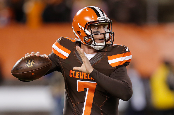 CLEVELAND, OH - NOVEMBER 30:  Austin Davis #7 of the Cleveland Browns looks to pass during the fourth quarter against the Baltimore Ravens at FirstEnergy Stadium on November 30, 2015 in Cleveland, Ohio.  (Photo by Gregory Shamus/Getty Images)