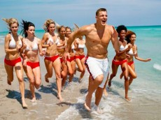 Gronk-party-ship-06-12-15