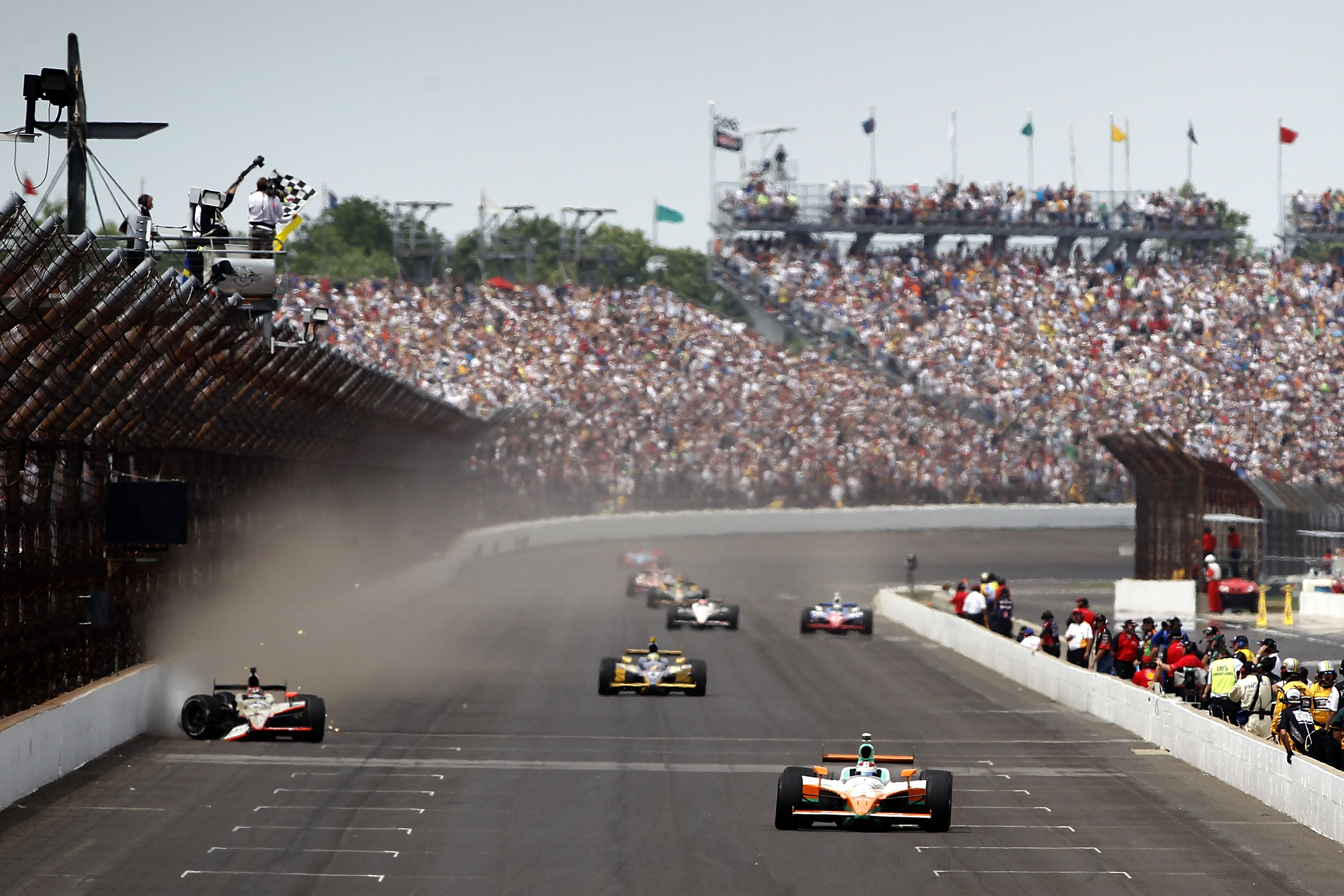 the top 10 greatest indianapolis 500 races. Black Bedroom Furniture Sets. Home Design Ideas