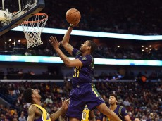 NEW ORLEANS, LA - FEBRUARY 04:  Bryce Dejean-Jones #31 of the New Orleans Pelicans drives to the basket during the first half of a game against the Los Angeles Lakers at the Smoothie King Center on February 4, 2016 in New Orleans, Louisiana. NOTE TO USER: User expressly acknowledges and agrees that, by downloading and or using this photograph, User is consenting to the terms and conditions of the Getty Images License Agreement.  (Photo by Stacy Revere/Getty Images)