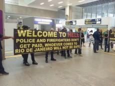 Rio police banner