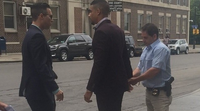 Sabres Evander Kane charged with harassment at bar