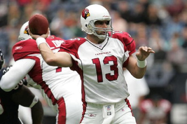 HOUSTON - DECEMBER 18:  Quarterback Kurt Warner #13 of the Arizona Cardinals throws a pass against the Houston Texans on December 18, 2005 at Reliant Stadium in Houston, Texas.  (Photo by Stephen Dunn/Getty Images)