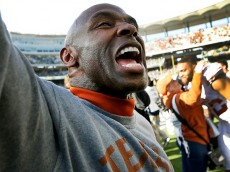 WACO, TX - DECEMBER 5: Head coach Charlie Strong of the Texas Longhorns celebrates after the Texas Longhorns defeated the Baylor Bears 23-17 at McLane Stadium on December 5, 2015 in Waco, Texas. (Photo by Ron Jenkins/Getty Images)