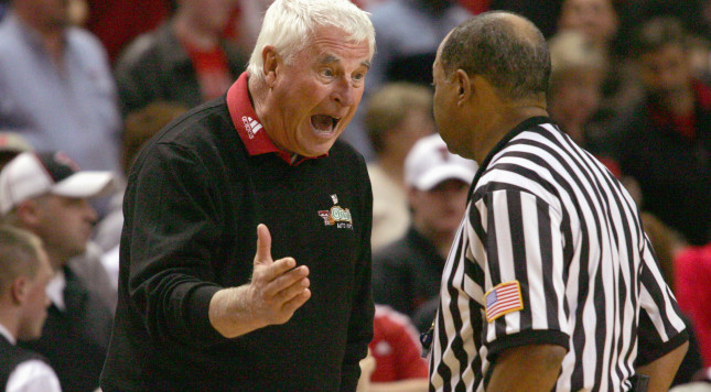 Former Indiana player outlines alleged abuses by Bob Knight in 1980s