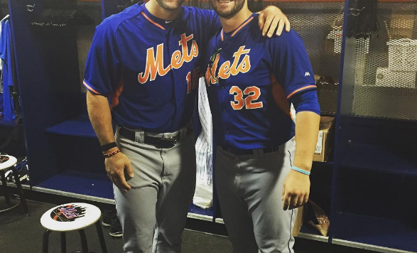 Tebow homers in batting practice at Day 2 of Mets camp