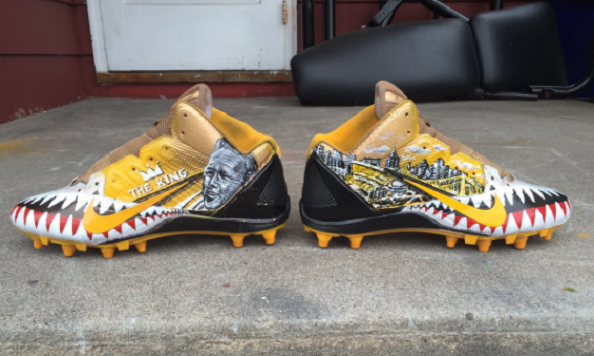 Antonio Brown will wear Arnold Palmer cleats