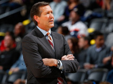 DENVER, CO - FEBRUARY 25: Head coach Jeff Hornacek of the Phoenix Suns leads his team against the Denver Nuggets at Pepsi Center on February 25, 2015 in Denver, Colorado. (Photo by Doug Pensinger/Getty Images)
