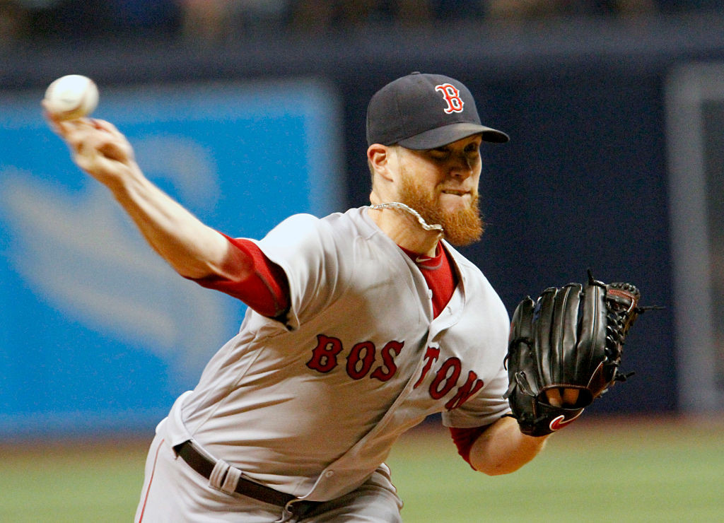 ST. PETERSBURG, FL - SEPTEMBER 24:  Craig Kimbrel #46 of the Boston Red Sox delivers a pitch in the ninth inning of the game against the Tampa Bay Rays at Tropicana Field on September 24, 2016 in St. Petersburg, Florida. (Photo by Joseph Garnett Jr. /Getty Images)