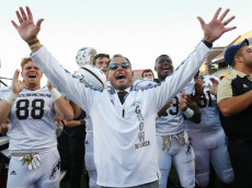 CHAMPAIGN, IL - SEPTEMBER 17: Head coach P.J. Fleck of the Western Michigan Broncos celebrates after the game against the Illinois Fighting Illini at Memorial Stadium on September 17, 2016 in Champaign, Illinois. Western Michigan defeated Illinois 34-10. (Photo by Michael Hickey/Getty Images)