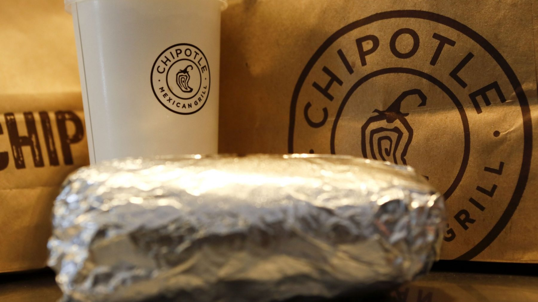 Chipotle customers report illness after eating at LA unit