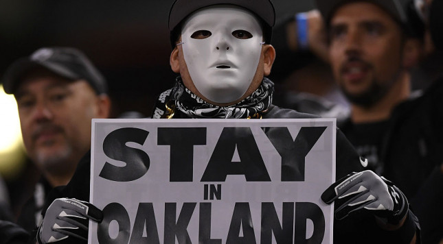 Oakland creates framework to keep Raiders in town, but …