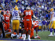 BATON ROUGE, LA - NOVEMBER 19: Cece Jefferson #96 of the Florida Gators celebrates after Florida stopped the LSU Tigers on fourth down to win the game at Tiger Stadium on November 19, 2016 in Baton Rouge, Louisiana. Florida won 16-10. (Photo by Jonathan Bachman/Getty Images)
