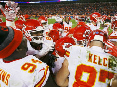 DENVER, CO - NOVEMBER 27:  The Kansas City Chiefs celebrate after kicker Cairo Santos #5 made a game-winning field goal in overtime against the Denver Broncos at Sports Authority Field at Mile High on November 27, 2016 in Denver, Colorado. (Photo by Justin Edmonds/Getty Images)