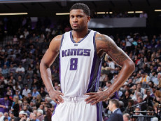SACRAMENTO, CA - NOVEMBER 8: Rudy Gay #8 of the Sacramento Kings looks on during the game against the New Orleans Pelicans on November 8, 2016 at Golden 1 Center in Sacramento, California.  (Photo by Rocky Widner/NBAE via Getty Images)