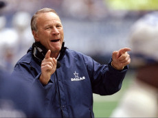 9 Nov 1997:  Head coach Barry Switzer of the Dallas Cowboys gives directions during a game against the Arizona Cardinals at Texas Stadium in Irving, Texas.  The Cowboys won the game 24-6. Mandatory Credit: Stephen Dunn  /Allsport