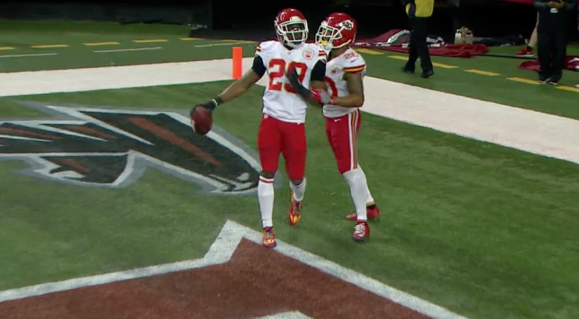 Falcons Blow Lead on 2-Point Interception Return by Chiefs' Eric Berry