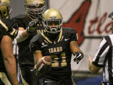 MOSCOW, ID - NOVEMBER 26: Running back Isaiah Saunders #21 of the Idaho Vandals celebrates a fourth quarter touchdown during second half action against the South Alabama Jaguars on November 26, 2016 at the Kibbie Dome in Moscow, Idaho. Idaho won the game 38-31. (Photo by Loren Orr/Getty Images)