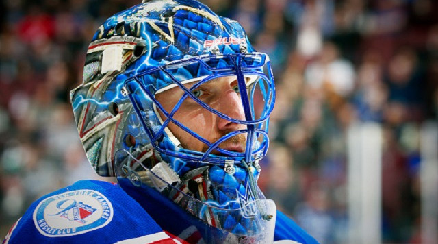 VANCOUVER, BC - NOVEMBER 15: Henrik Lundqvist #30 of the New York Rangers looks on from his crease during their NHL game against the Vancouver Canucks at Rogers Arena November 15, 2016 in Vancouver, British Columbia, Canada. (Photo by Jeff Vinnick/NHLI via Getty Images)