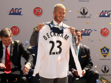 CARSON, CA - JULY 13:  David Beckham is officialy announced as a  LA Galaxy Player at the Home depot Stadium on July 13, 2007 in Carson, California.  (Photo by Frazer Harrison/Getty Images)