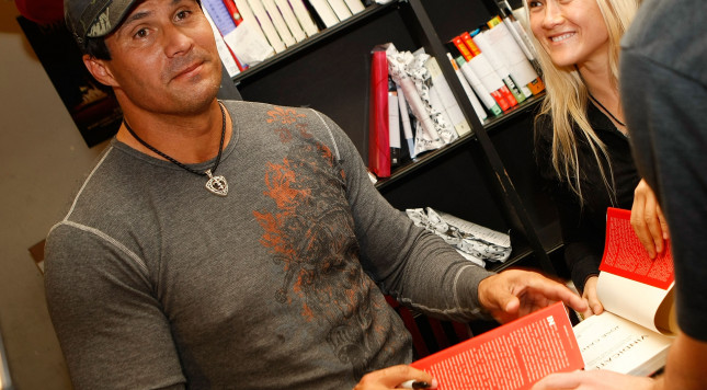 "LOS ANGELES, CA - APRIL 07:  Former baseball player and author Jose Canseco  signs copies of his new book ""Vindicated: Big Names, Big Liars, and the Battle to Save Baseball"" at Book Soup on April 7, 2008 in Los Angeles, California.  (Photo by Michael Buckner/Getty Images)"