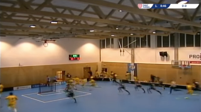 Terrifying! Roof of Czech gym collapses during game