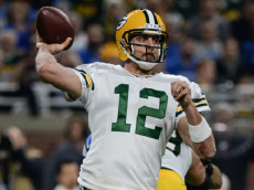DETROIT, MI - JANUARY 01: Packers quarterback Aaron Rodgers (12) throws a pass during a NFC North NFL football game between Detroit and Green Bay on January 1, 2017, at Ford Field in Detroit, MI. (Photo by Adam Ruff/Icon Sportswire via Getty Images)