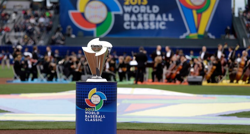 Venezuela rallies past Italy 4-3 to reach 2nd round of WBC