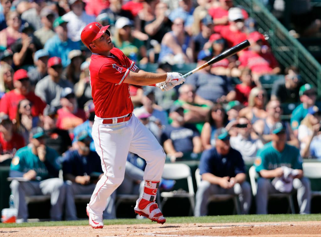 Mike Trout scratched, day-to-day with tight left hamstring