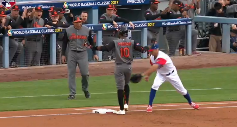 Jurickson Profar gets picked off by Yadier Molina.