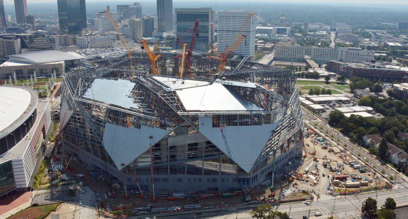 Mercedes benz stadium sees potential delay due to roof for Mercedes benz stadium roof