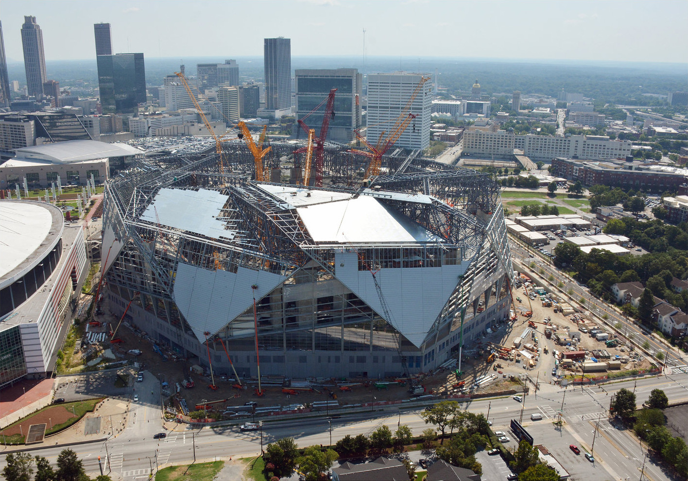 Mercedes benz stadium sees potential delay due to roof for Mercedes benz stadium opening