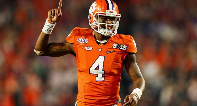 Chargers select Clemson WR Mike Williams with No. 7 pick