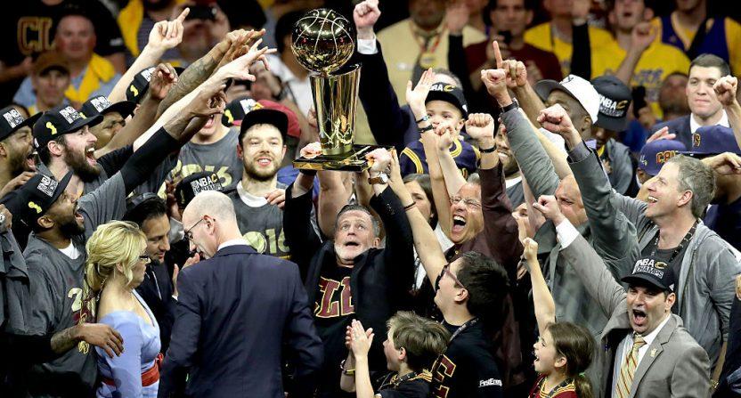 LeBron out for Cavs' regular-season finale vs. Raptors