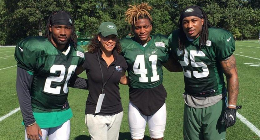 Jets to hire 1st women coach, lifelong fan Collette Smith