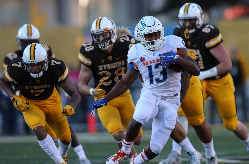 9641850-ncaa-football-boise-state-wyoming-850x560