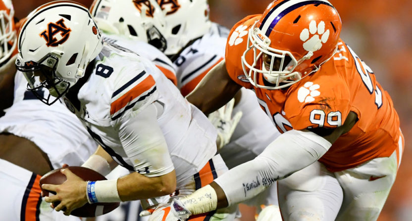 Clemson QB Bryant leaves game briefly after hard hit