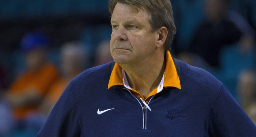 Men's basketball coach Tim Floyd announces retirement after 1-5 start