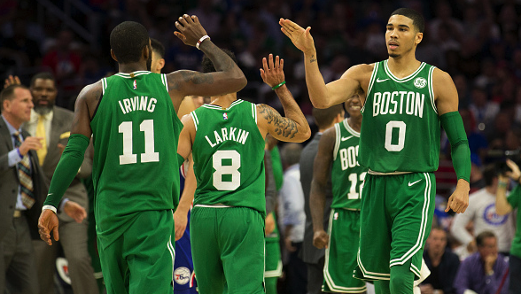 Celtics' defense smothers Warriors in 14th consecutive victory