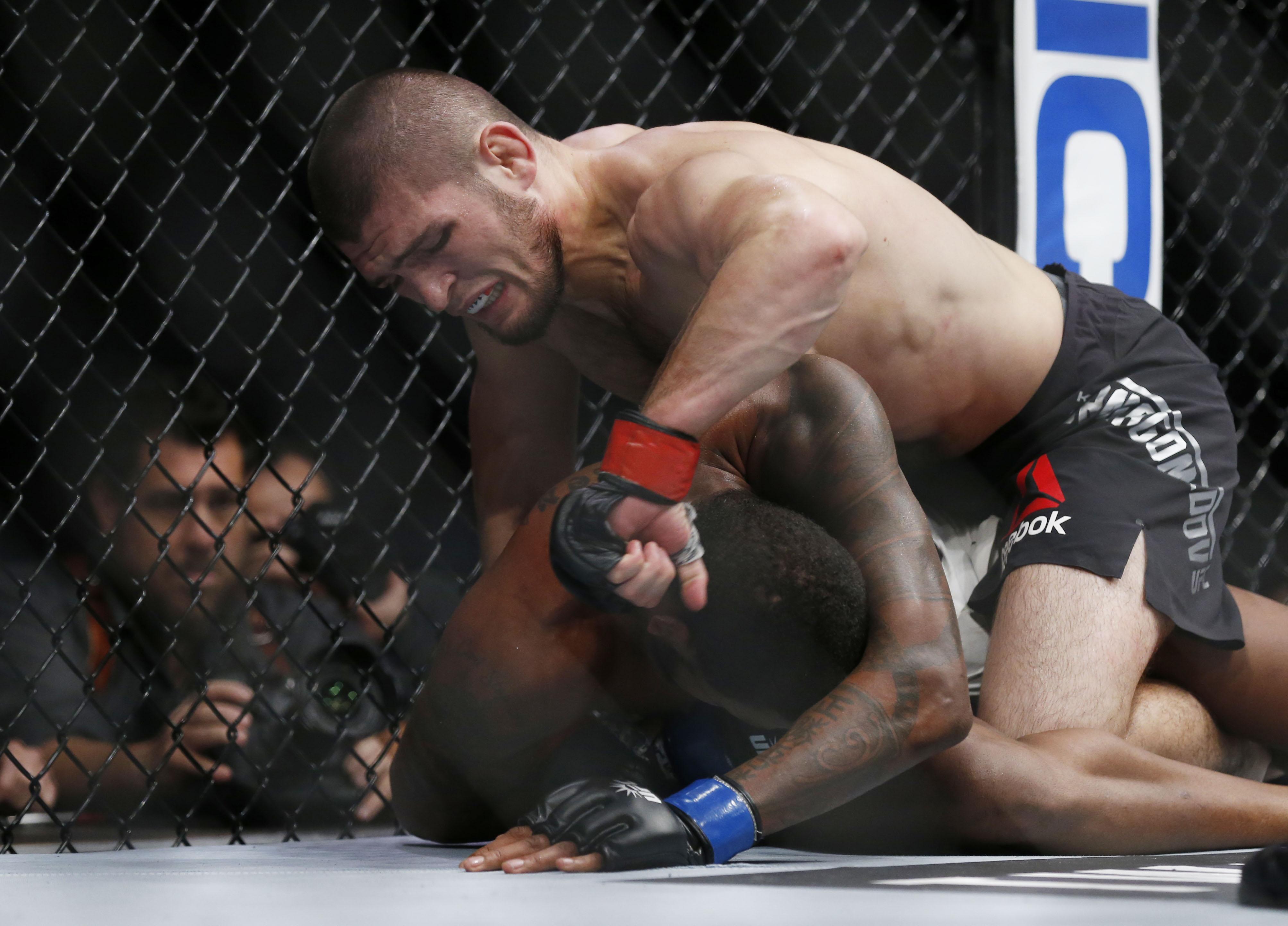MMA: Cyborg retains UFC women's featherweight belt
