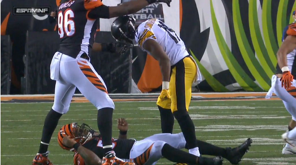 Vontaze Burfict Dirty Hit 2017 >> ESPN's Sean McDonough, Jon Gruden share uneasy thoughts after dirty hits during Bengals-Steelers MNF