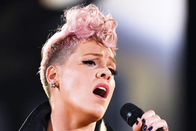pink-super-bowl-lii-anthem