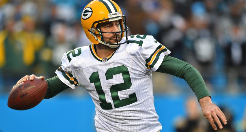 Aaron Rodgers says collarbone feels good